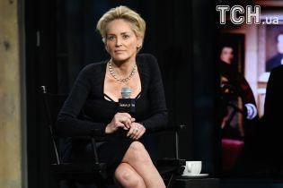 """59-річна Шерон Стоун підстриглася під """"хлопчика"""""""