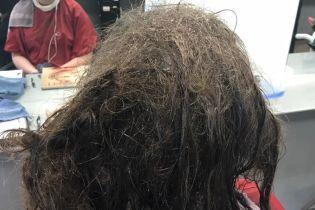 Парикмахер 2,5 суток восстанавливала прическу девушке, чтобы спасти ее от депрессии