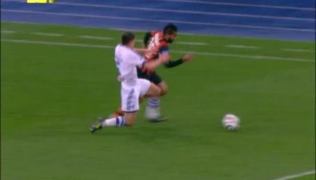 Динамо - Шахтар - 0:1. Шевчук грає рукою у штрафному