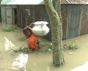 В Бангладеш наводнение унесло жизни по меньшей мере 39 человек