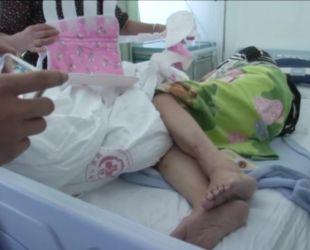 Неймовірний порятунок: 80-річна жінка випала із балкона 23 поверху і вижила