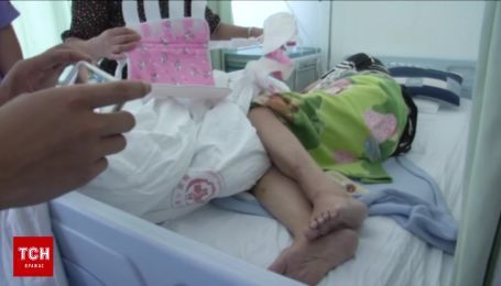 Невероятное спасение: 80-летняя женщина выпала с балкона 23 этажа и выжила