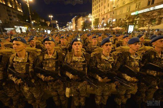 Марширування сотень військових і Полторак у метро: у Києві відбулася репетиція параду до Дня Незалежності