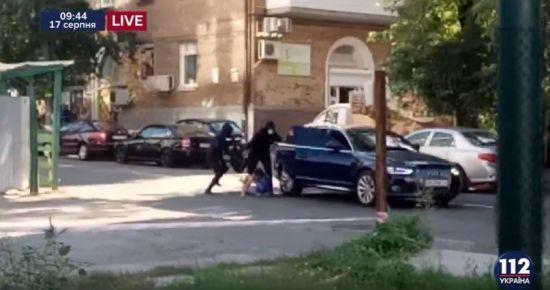 У Києві невідомі в масках розстріляли чоловіка