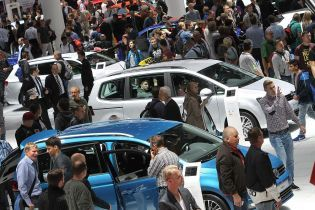 Тридцать автомобильных компаний объявили бойкот Московскому автосалону