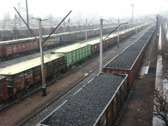 """""""Укрзалізниця"""" підвищила тарифи на вантажні перевезення й пояснила, на що витрачатиме кошти"""