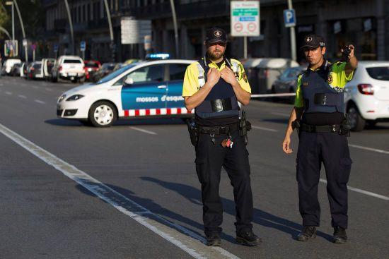 Світ обурений терактом у Барселоні: Порошенко і Столтенберг засудили жахливу атаку