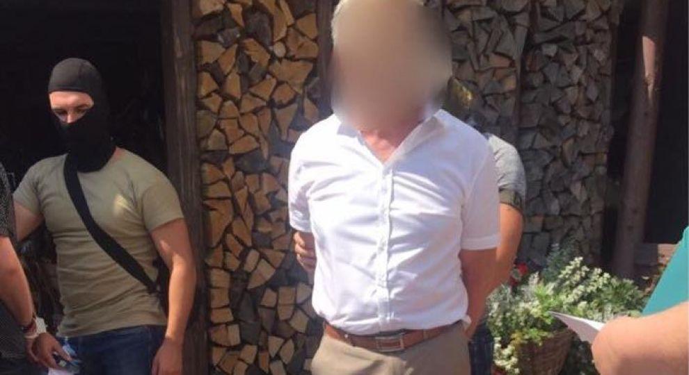 У Києві на хабарі у 60 тис. грн затримали керівника філії державного банку