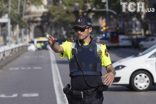 """Іспанська поліція заявила про спецоперацію через """"ймовірний теракт"""" на південь від Барселони"""
