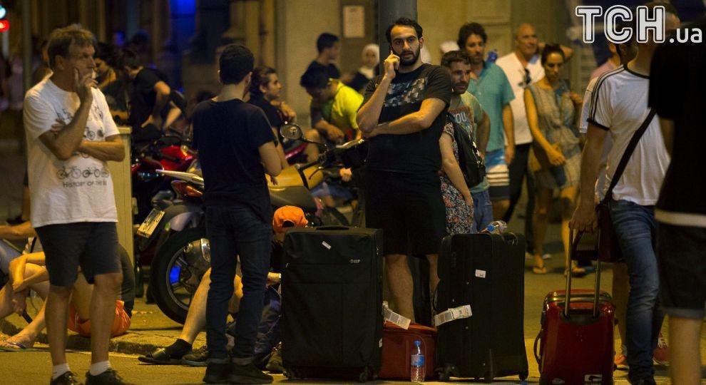 Нажахані туристи та десятки поліцейських: Барселона оговтується після теракту