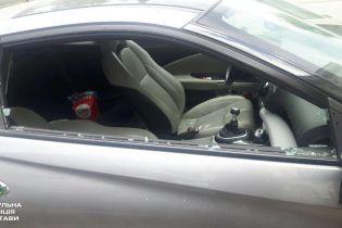 У Полтаві жінка зачинила в автомобілі 3-річну дитину за +33 градусів і пішла у справах