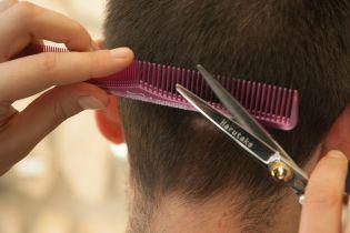 В Киеве женщина забила до смерти парикмахера из-за стрижки своего мужа - Аброськин