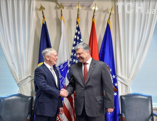 Глава Пентагону у День Незалежності відвідає Київ