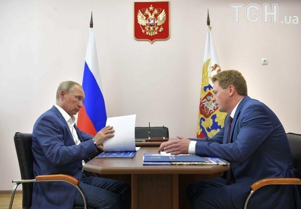 """Фото с """"Ночными волками"""" и поездка в Херсонес: Путин и Медведев побывали в оккупированном Крыму"""