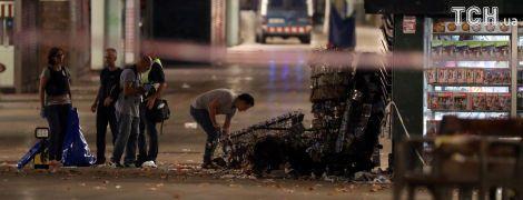 Водитель фургона, сбившего десятки человек в Барселоне, оказался среди убитых террористов в Камбрильсе - СМИ