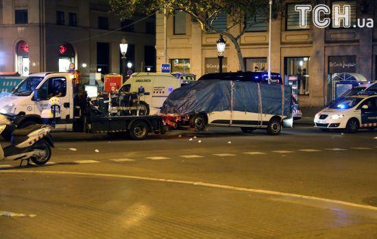 Кривавий теракт у Барселоні: поліція сумнівається, що водій фургона загинув