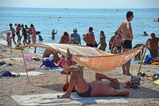 Остання спекотна неділя літа. До України поступово йде похолодання з дощами