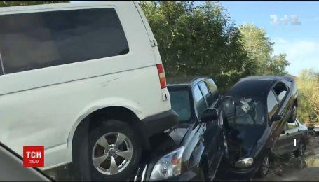 В Крыму селевой поток повредил полсотни машин