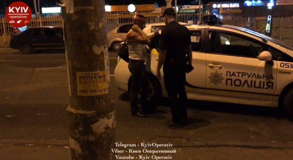 У Києві конфлікт в автобусі переріс у бійку зі стріляниною