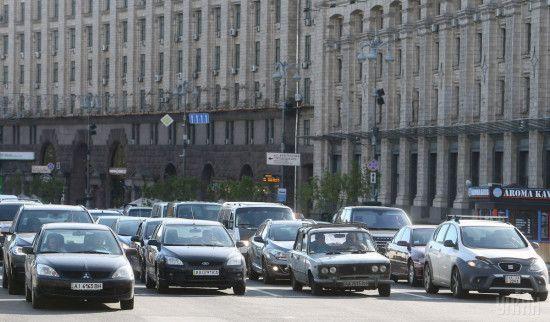 Готуйтеся до заторів: у Києві деінде перекриють рух для ремонту доріг