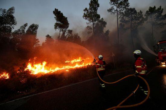 У Португалії під час гасіння масштабних пожеж впав і вибухнув вертоліт