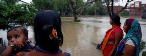 Мощные наводнения и оползни в Южной Азии унесли жизни более 700 человек