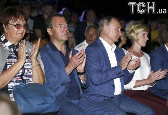Путін несподівано з'явився на сцені фестивалю в анексованому Криму
