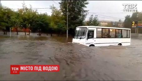 Російський Красноярськ затопило внаслідок 15-годинної зливи