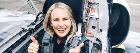 Instagram привлекательной девушки-пилота и флешмоб худших песен для похорон. Тренды Сети