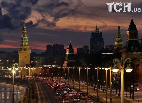США призупинять видачу неімміграційних віз громадянам РФ