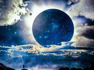 Практика сонячного затемнення і магія 1-го місячного дня