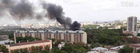 В Киеве возле студии Довженко горит ресторан