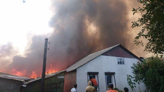 У Росії на кордоні з Україною ввели режим НС через пожежу, що знищила понад 100 будинків