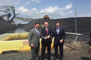 В Украину отправились первые 85 тысяч тонн американского угля