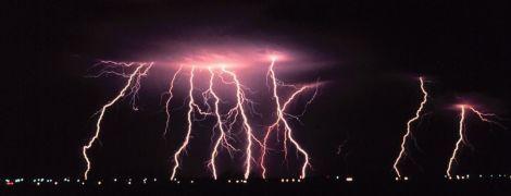 Грози, дощі та сильний вітер. Синоптики оголосили штормове попередження в Україні