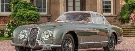 Ателье Classic Motor Cars представило эксклюзивный Jaguar XK120 SE 1954 года