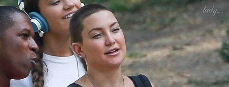 Не узнать: Кейт Хадсон побрилась наголо ради новой роли