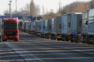Водії сотень фур заблокували пункт пропуску на кордоні з Польщею