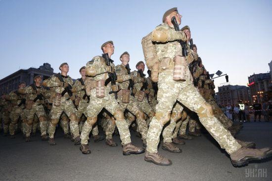 На Хрещатику триває генеральна репетиція військового параду
