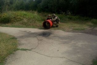 У Івано-Франківську просто під пішохідним мостом знайшли вибухівку