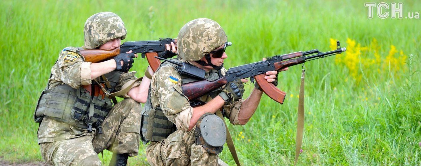 Мінімальна активність бойовиків та двоє поранених українських бійців. Дайджест АТО