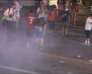 В американському місті Фенікс мирний протест перетворився на ніч безладу
