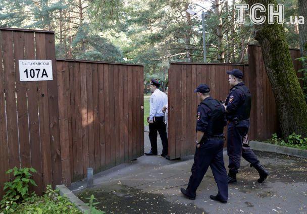 Выставили за дверь: американские дипломаты не смогли забрать свои вещи из дипдачи в Москве