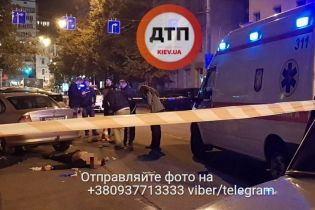 В Киеве из проезжающей мимо машины расстреляли мужчину