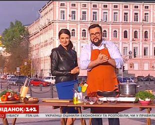 Руслан Сенічкін і Валентина Хамайко приготували справжній українській борщ на Михайлівській площі