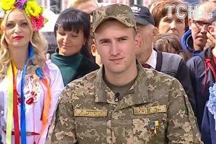 Взяв гранатомет і вийшов один на один із танком. За що лейтенант Тарасюк отримав зірку Героя України