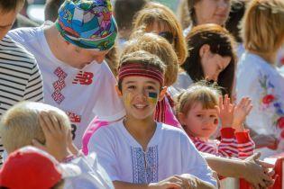 На масові забіги у вишиванках в День Незалежності вийшли навіть найменші діти