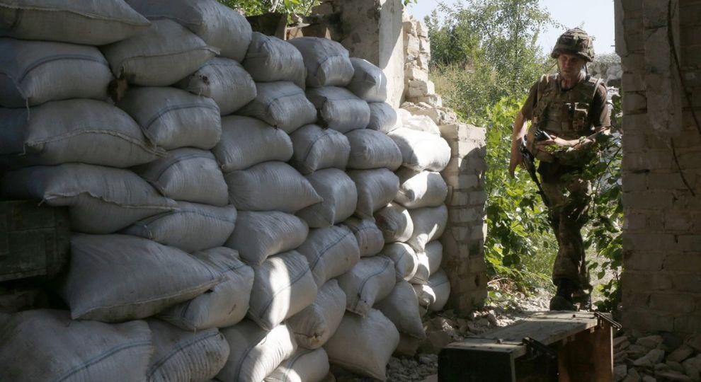 Обстріл будинків в Мар'їнці та відсутність втрат. Доба в зоні АТО