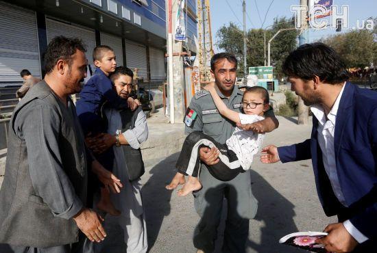 Кривавий напад: у Кабулі внаслідок атаки бойовиків на мечеть загинуло 14 осіб