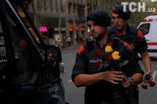 Тисячі іспанців разом з королем вийшли в Барселоні на демонстрацію проти тероризму